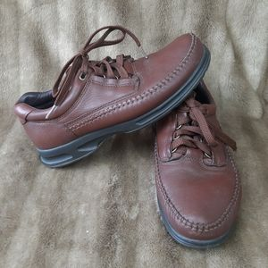 Clarks leather shoes laced up brown